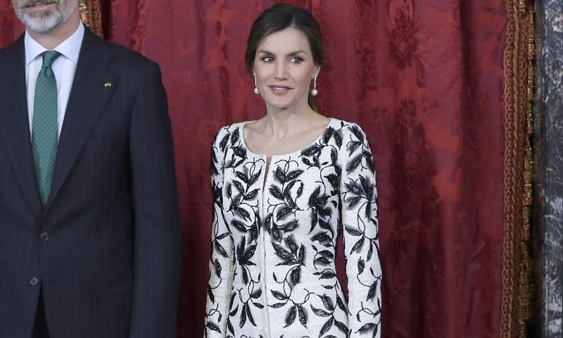 La reina Letizia rescata uno de sus diseños más controvertidos
