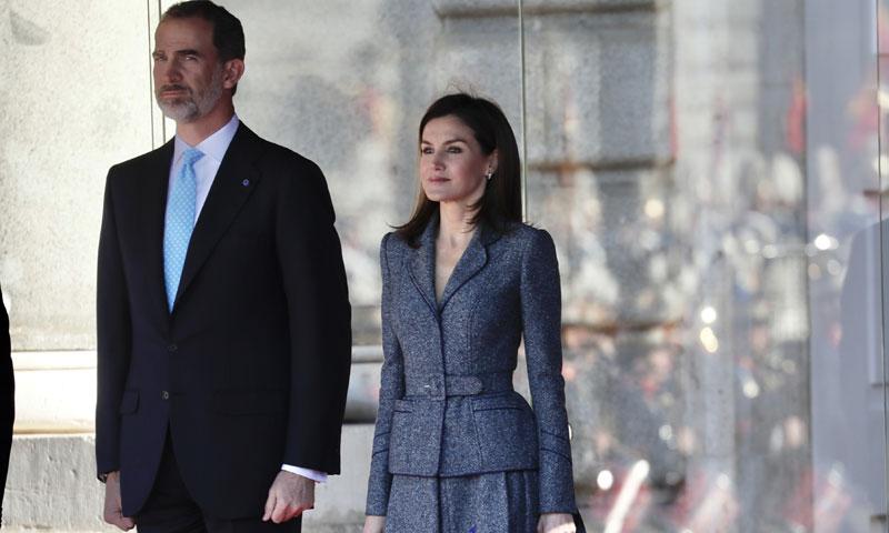 La reina Letizia recicla su Varela más patrio pero con dos novedades de estilo