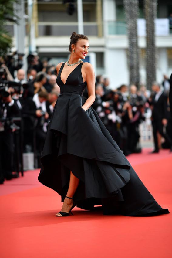 Primeros 2018Los Cannes Alfombra Looks En Conquistar La Roja Foto 7Yfb6gyv