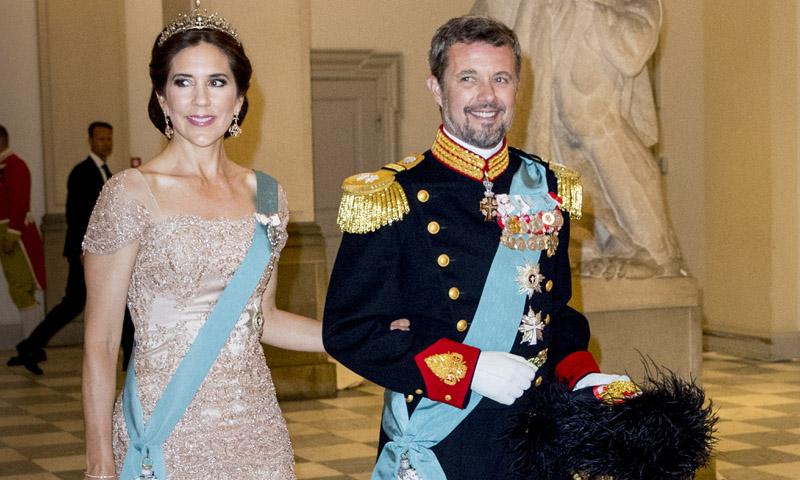 'Royal nude', el relevo del azul en las citas de palacio