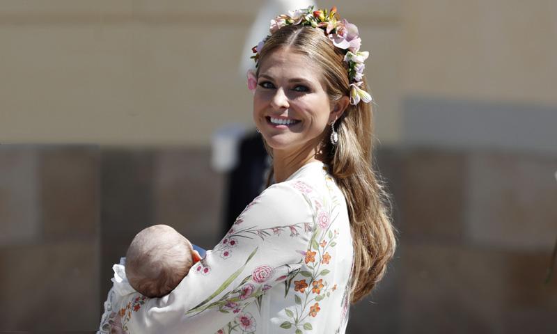 Un bautizo, tres estilos: los looks de las princesas suecas al detalle