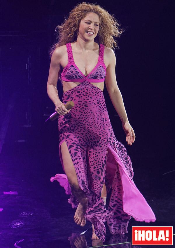 Shakira y la historia detrás de los vestidos más \'salvajes\' de su gira