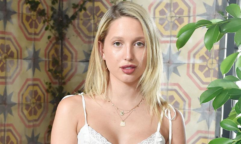 De nuevo sobre la pasarela, Olympia de Grecia afianza su carrera como modelo