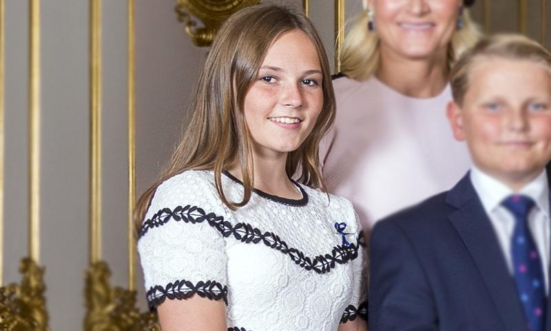 Ingrid de Noruega rompe el protocolo con las zapatillas de las 'royals'