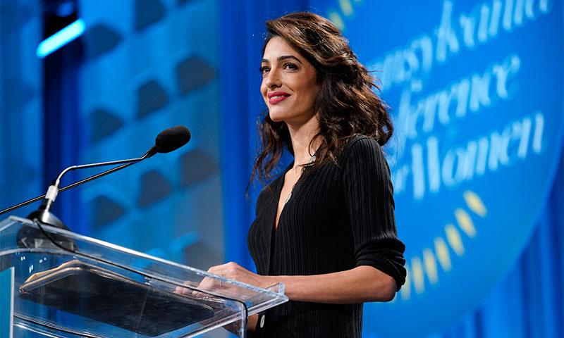 El vestido que no te quitarás en 2019 está ya en el armario de Amal Clooney