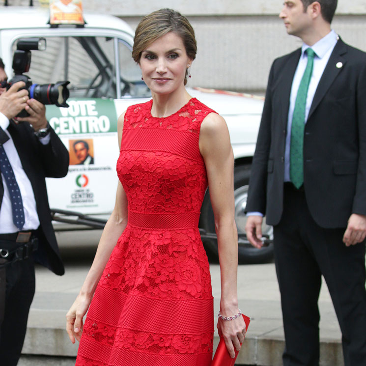 Reina Letizia Su Colección De Vestidos Rojos Para Las