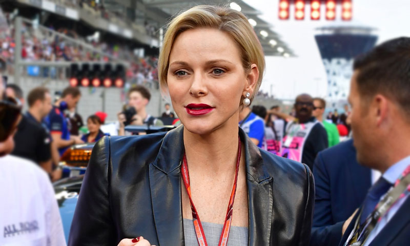 Charlene de Mónaco actualiza su estilismo más transgresor en la Fórmula 1