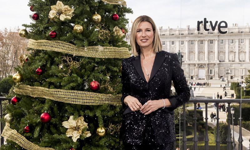 Uno a uno, todos los looks de Anne Igartiburu en las campanadas de Nochevieja