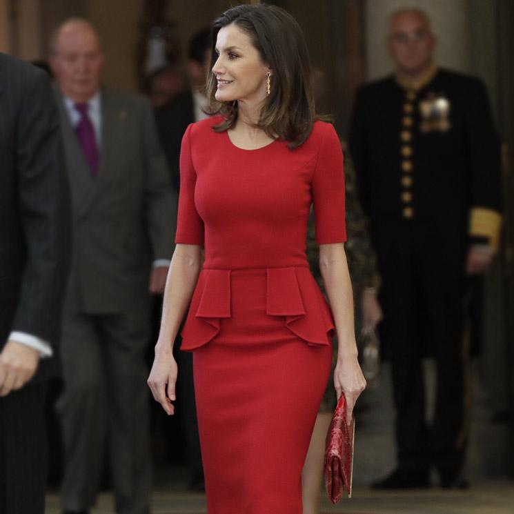 La reina Letizia se copia a sí misma con un vestido de 2015 38e7c3c74d0c