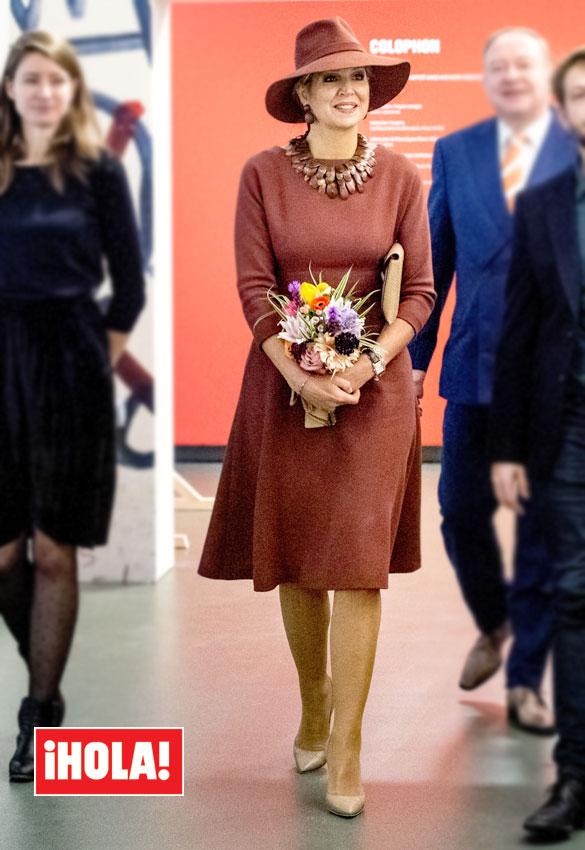 Máxima de Holanda  la Reina que lleva los complementos como ninguna ... 49925f8f718