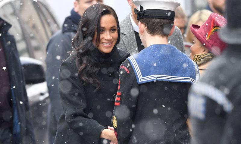 Los llamativos estrenos de Meghan Markle en su look premamá bajo la nieve