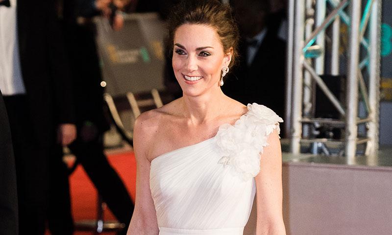El triunfo de Kate en los BAFTA con look nupcial y nuevos pendientes de Diana