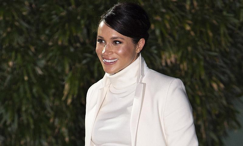 '¡Está increíble!' Meghan Markle enamora con su look más Audrey Hepburn