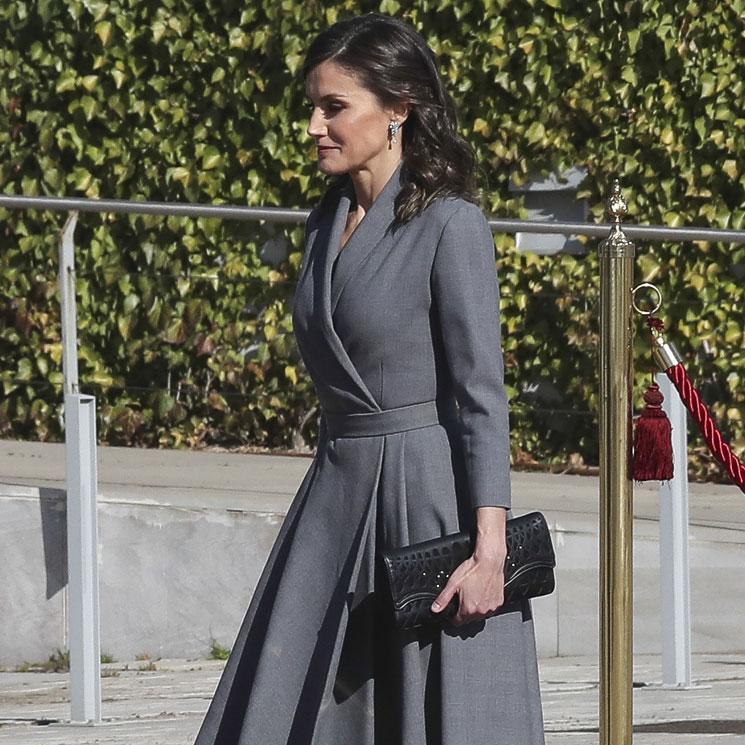 7f2330592 La Reina recupera uno de sus misteriosos vestidos antes de viajar a  Marruecos