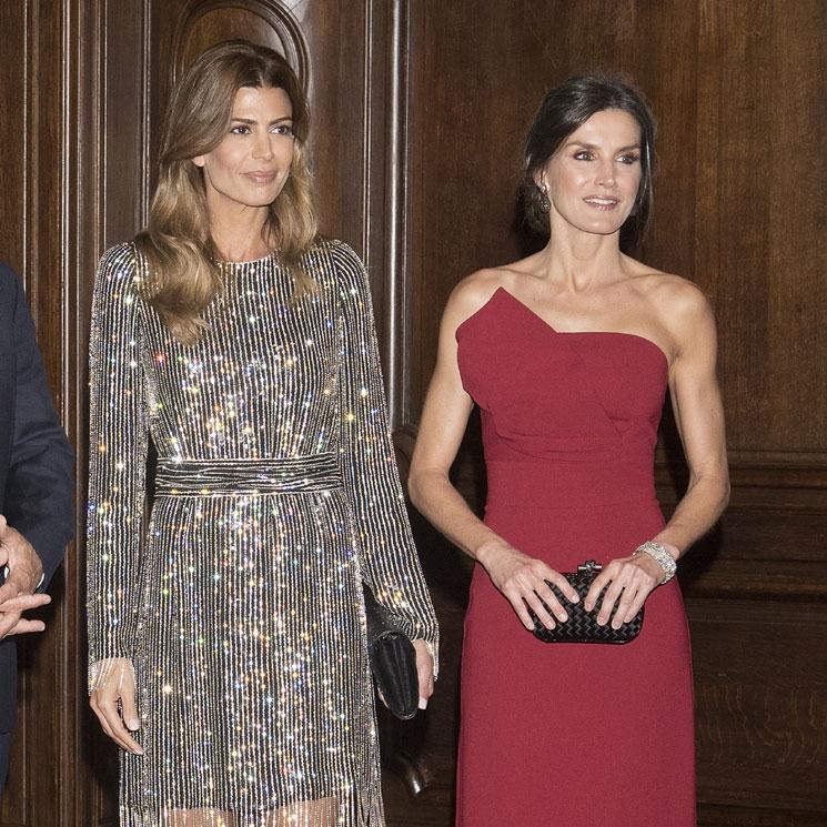 eaf5cec9a El fabuloso diseño con el que la Reina se impone al vestido brillante de  Juliana Awada