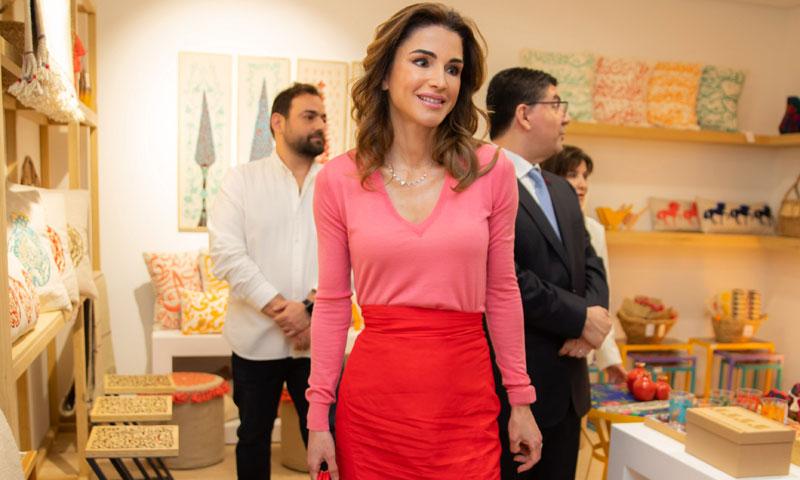 Rania confía en el estilismo que convence a las 'royals' desde hace 30 años