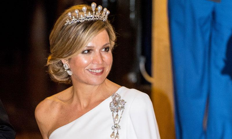 Triunfo total para Máxima, con joyas de la Corona y vestida de novia
