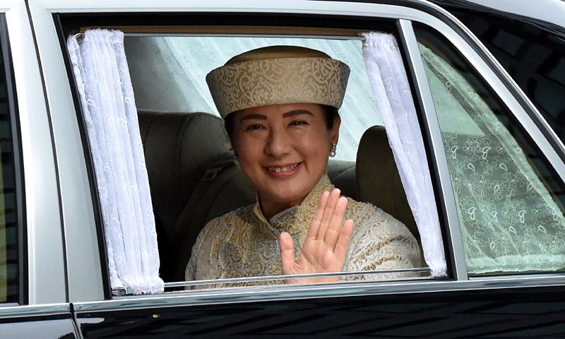 Los simbólicos estilismos de la ceremonia de abdicación del emperador japonés