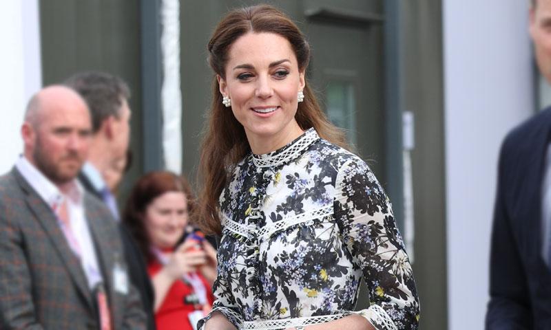 Kate Middleton interpreta el look más bohemio de Meghan Markle con calzado español