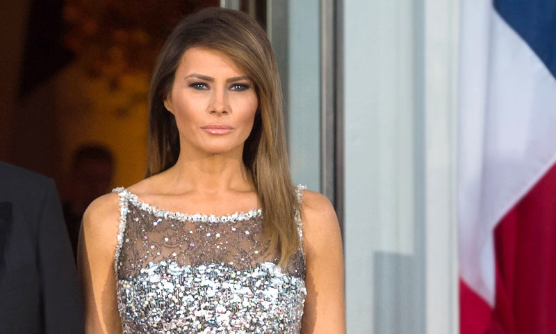 Lo que podemos esperar del look de gala que Melania Trump llevará en el palacio de Buckingham