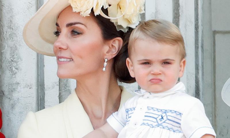 Igualito a papá, el príncipe Louis debutó en el Trooping the Colour con un traje de Guillermo de Inglaterra