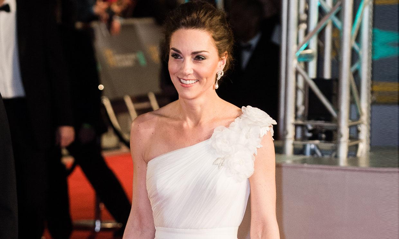 El fenómeno del vestido de gala que triunfa entre las 'royals' desde hace más de 30 años