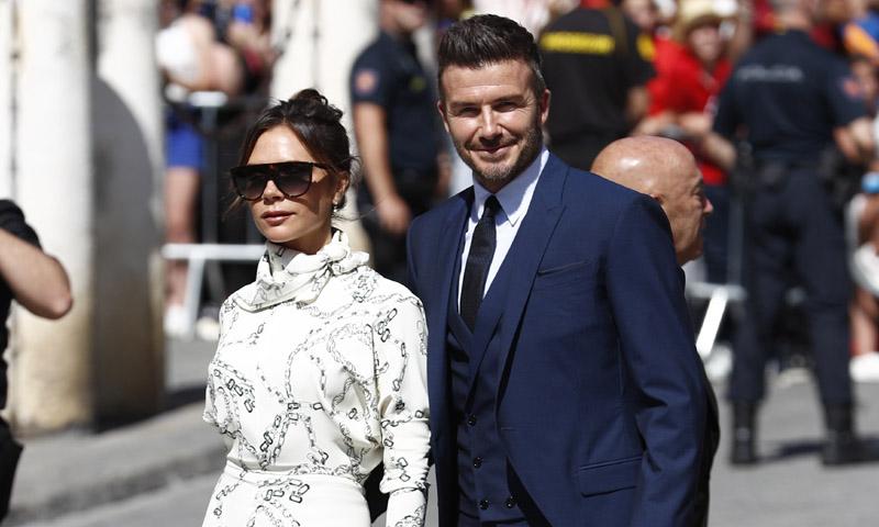 Victoria Beckham se salta el protocolo en Sevilla con el último look premamá de Meghan