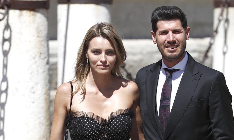 Los lectores de HOLA.com deciden: la invitada mejor vestida de la boda de Pilar y Sergio fue...