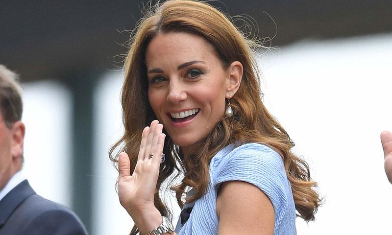 ¡Todo sintonía! La duquesa de Cambridge firma un divertido look a juego con el príncipe Guillermo