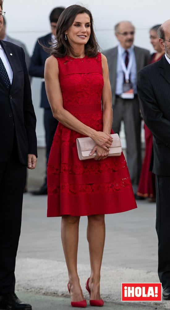 Doña Letizia Recicla Su Vestido Rojo Infalible Con Los