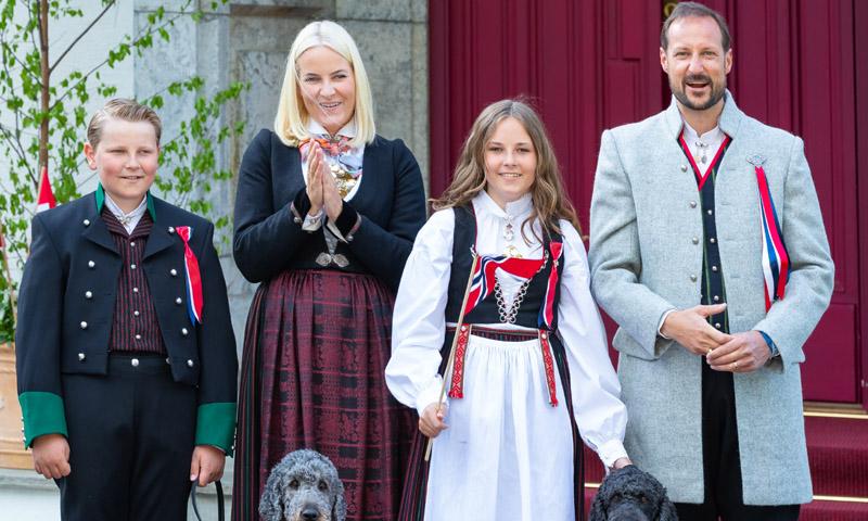 El nuevo bunad que lucirá Ingrid de Noruega en su confirmación, un regalo de su abuela
