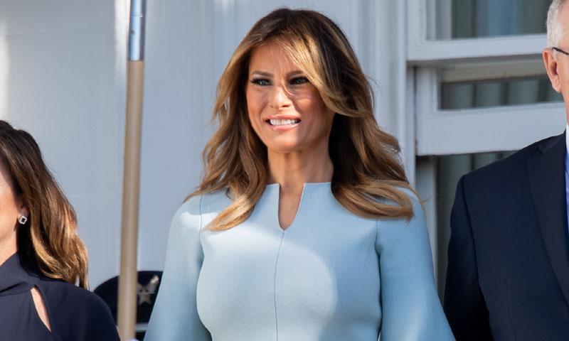 La nueva estrategia de Melania Trump para vestir bien día y noche