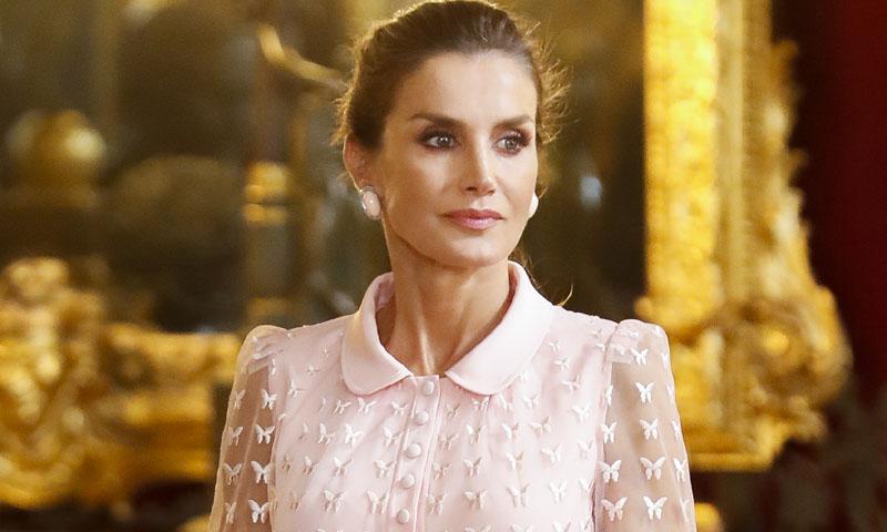 Los pendientes de la reina Letizia, un 'préstamo' del joyero de doña Sofía