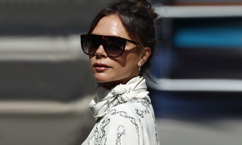 Victoria Beckham recicla el vestido con el que desafió el protocolo en la boda de Pilar Rubio