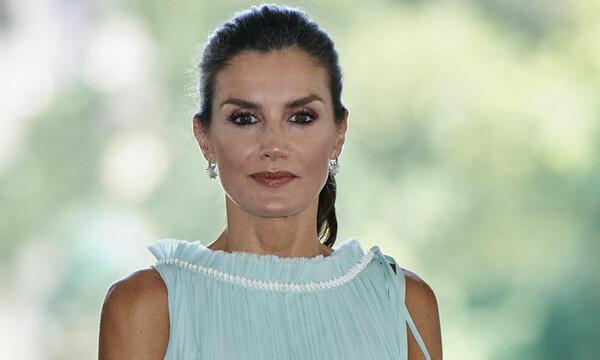 Doña Letizia Triunfa Con Su Nuevo Vestido Joya Y Los Tacones