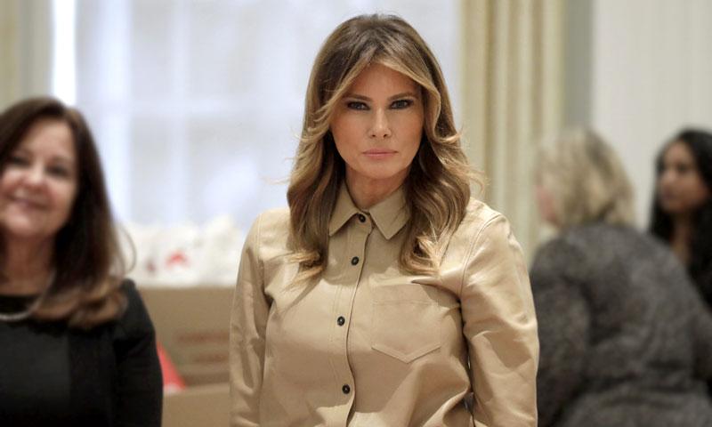 Melania Trump afianza su idilio con el calzado cómodo de Zara para evitar los tacones