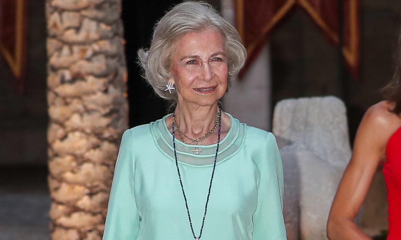 Del traje 'Letizia' a los 'palazzo': el nuevo estilo de la reina Sofía, en 9 claves