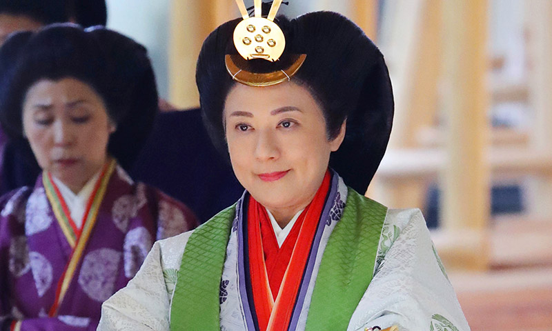 Un mes después Masako vuelve a lucir su kimono más especial, el de la entronización de Naruhito