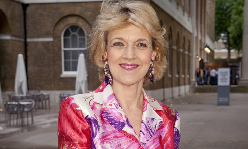 Conoce a Fiona Shackleton, 'magnolia de acero' y reina de estilo en los tribunales