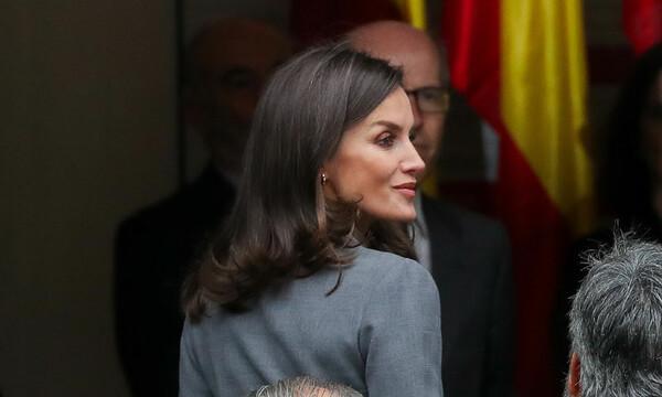 Reina Letizia Y Su Vestido Misterioso Para Recoger Un Premio
