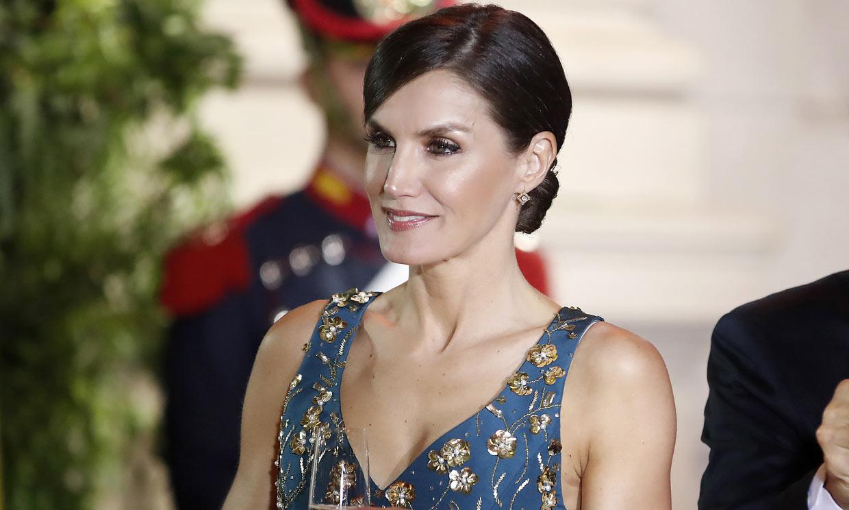 El vestido-joya que enamoró a doña Letizia y Magdalena de Suecia triunfa ahora en Hollywood
