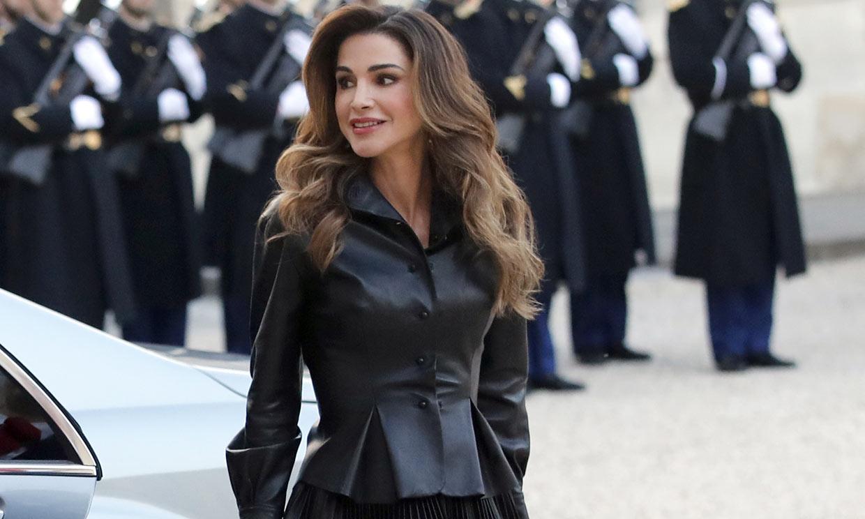 La falda de cuero plisada, el nuevo flechazo de las 'royals' más modernas