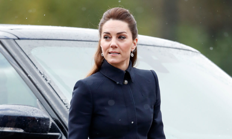 Kate Middleton vuelve a mandar un emotivo mensaje a través de su vestidor
