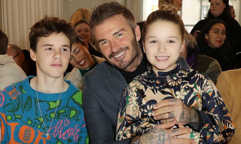 Harper Beckham, la otra gran protagonista en el desfile de Victoria