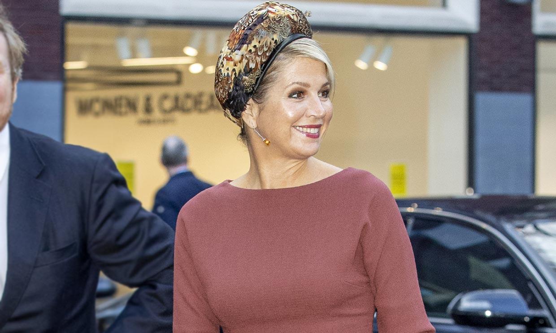 Máxima de Holanda, la reina que acierta con complementos llamativos