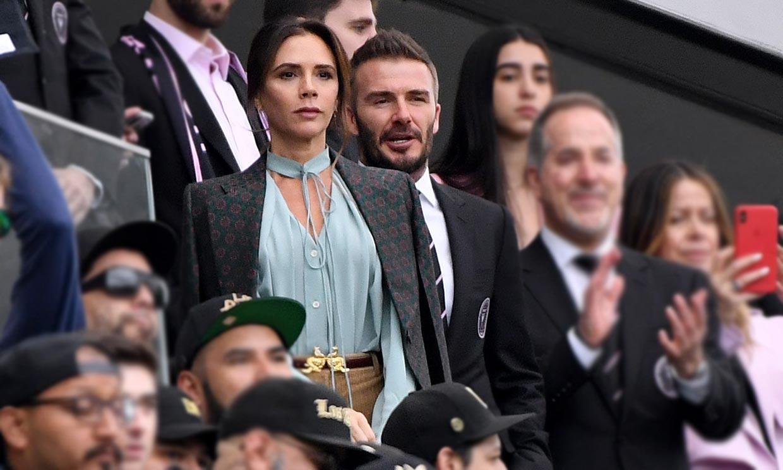 Victoria Beckham vs Eva Longoria: duelo de estilo en el campo de fútbol