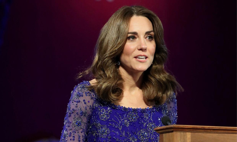 Kate Middleton recupera su majestuoso vestido 'Bollywood' tras su encuentro con Meghan