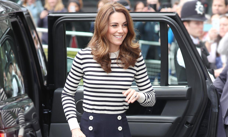 De 8 euros, con estilo marinero... Los 5 pantalones de Kate Middleton que hacen tipazo