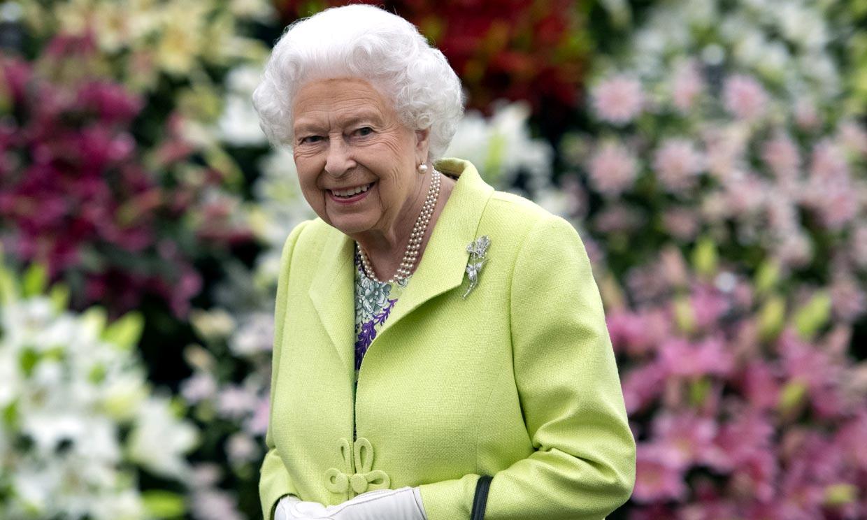¡Pura elegancia a los 94 años! El estilo único de la reina Isabel II