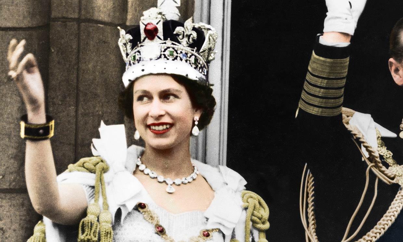 Los tacones de la coronación de Isabel II vuelven a estar de moda 67 años después